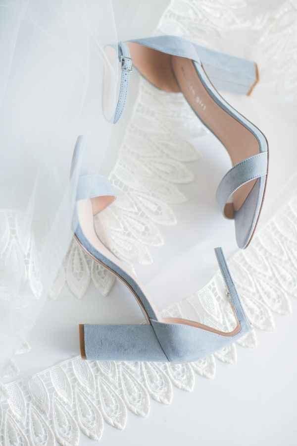Seus sapatos: salto grosso ou fino? - 2