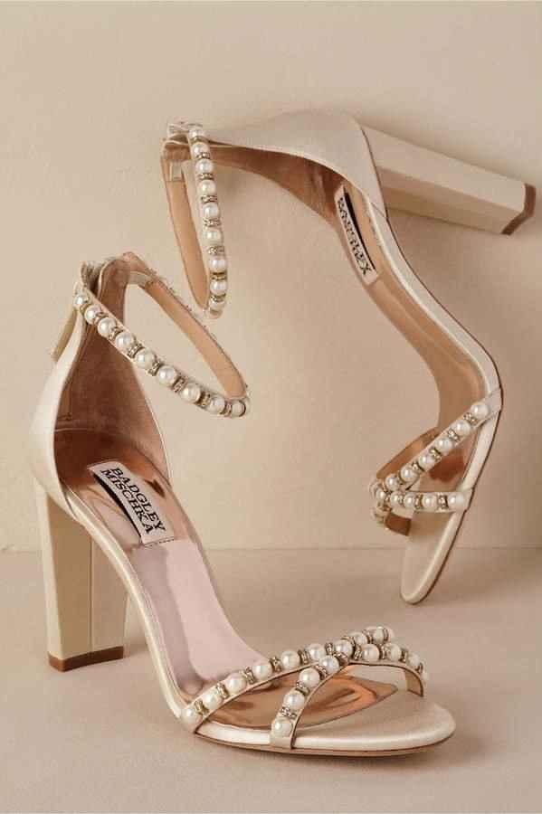 Seus sapatos: salto grosso ou fino? - 3