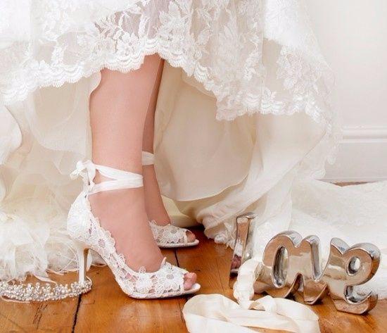 18e8e47d47 Sapato de noiva branco vs colorido
