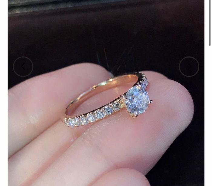 Anel de noivado: prata ou dourado? - 1