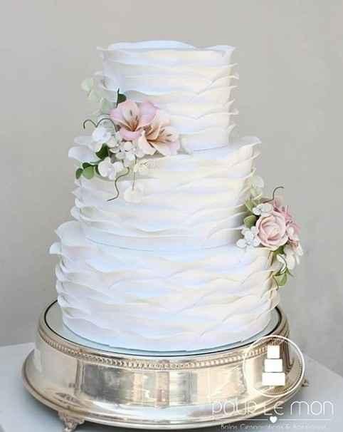 Já temos o bolo fake de casamento 🤩 - 3