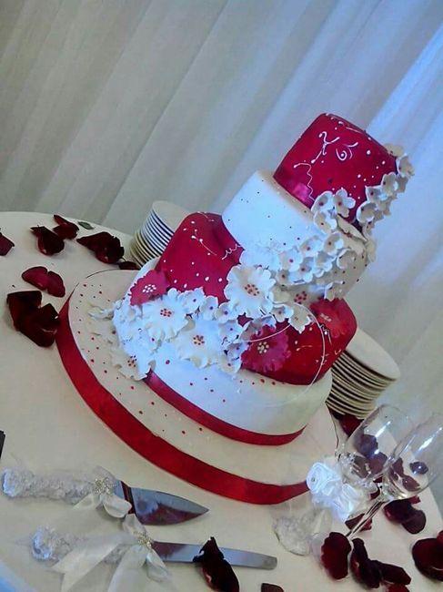 Meu bolo de casamento vermelho e branco vem ver!!! - 1