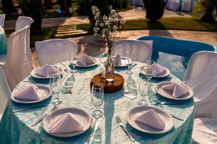 Centro de mesa - Garrafas DIY _ Casamento Carol e Carlos