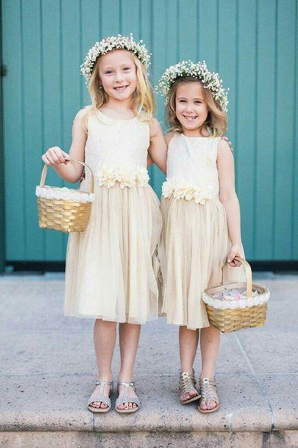 Me ajudem a escolher o vestido das minhas daminhas!! 1