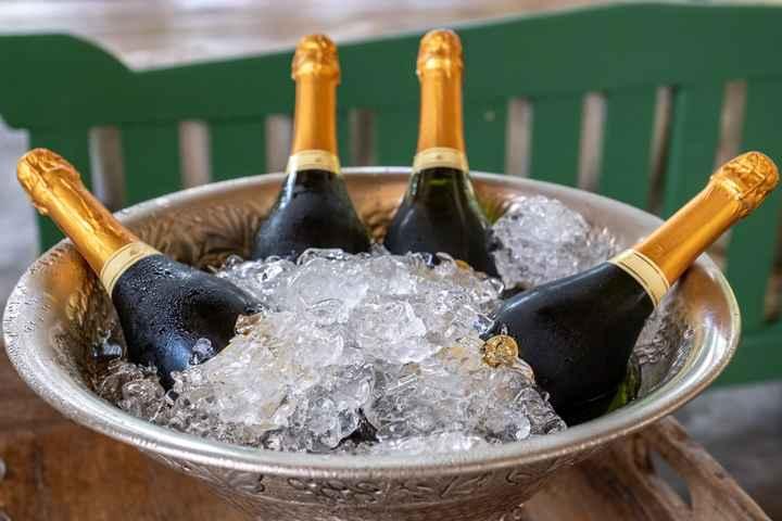 Casamento civil em Tiradentes: Nossa recepção bolo e champanhe - 2