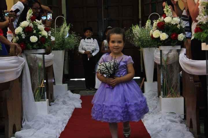 Daminha (neta do noivo)