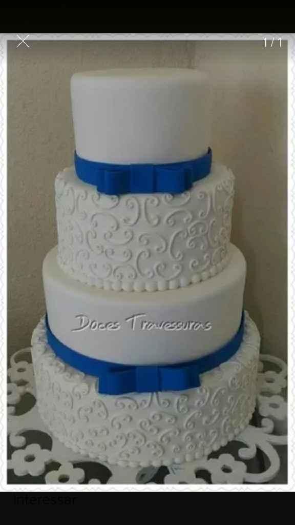 Bolo fake na cor azul e branco - 1