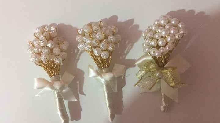 Lapelas de Pérolas para noivo e padrinhos - 1