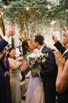 Saída dos noivos da cerimônia! - 1