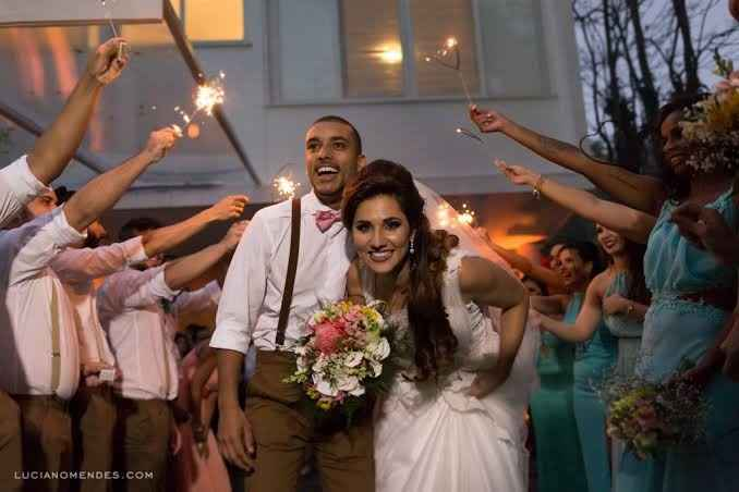 Saída dos noivos da cerimônia! - 2