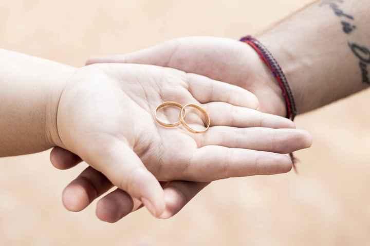 📸 Poste uma foto exibindo o seu anel de noivado ou aliança de casamento - 1