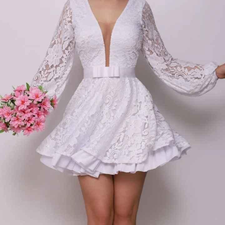 1 único  vestido. - 1