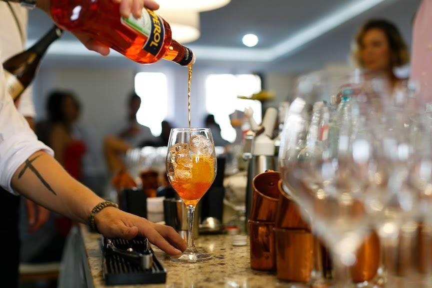 Drinks N Mix Bartenders