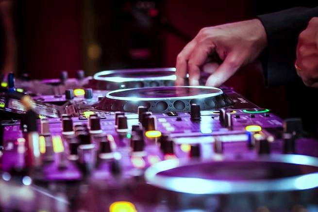 DJ Frazão em ação