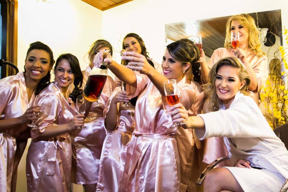Dia de noiva com acompanhantes