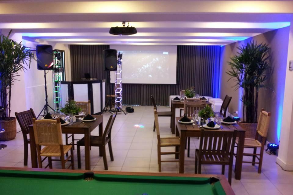Salão 1 sala de som mecãnico