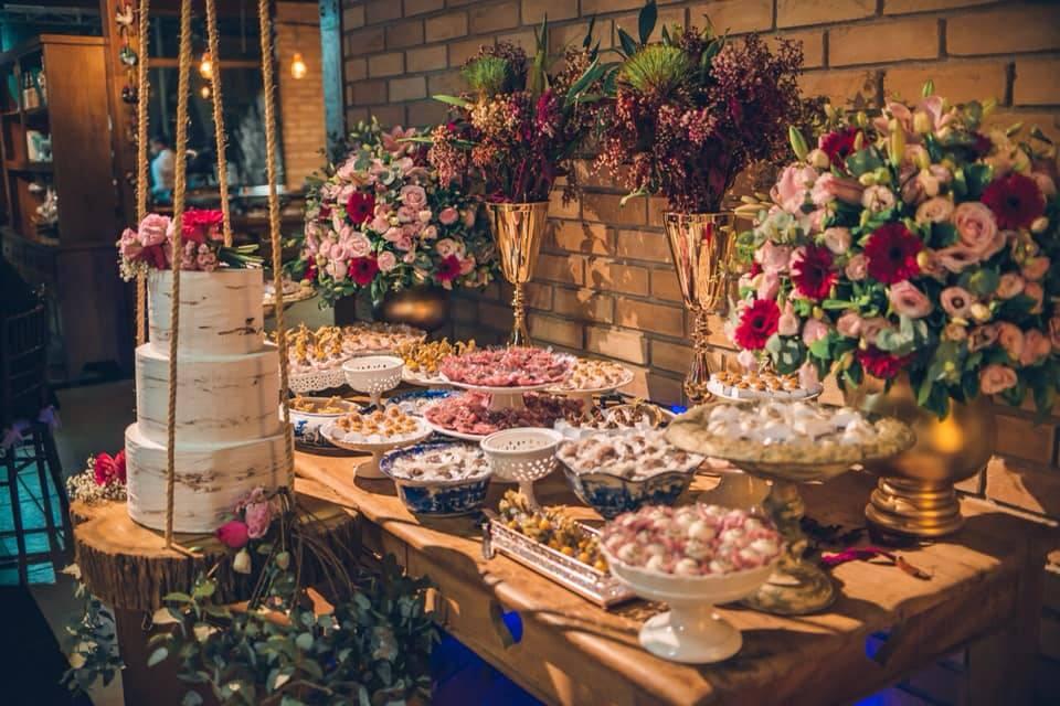 Casamento marsala e rosa