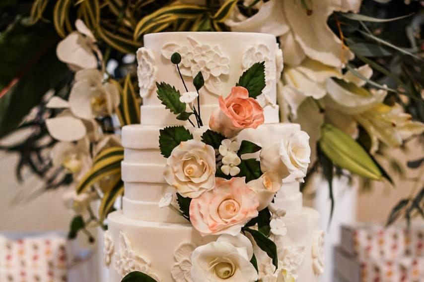 Cascata floral em açúcar