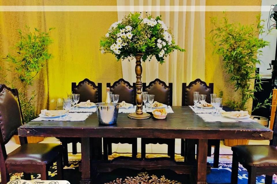 Mesa de noivos rústica