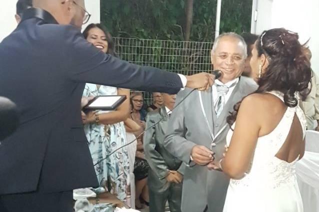 Celebrante Anderson Veloso