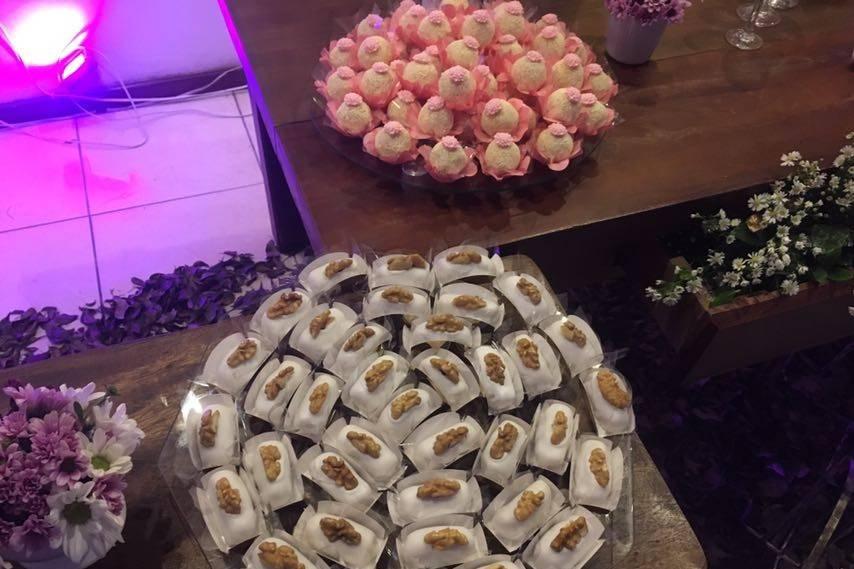 Camafeus e doces finos