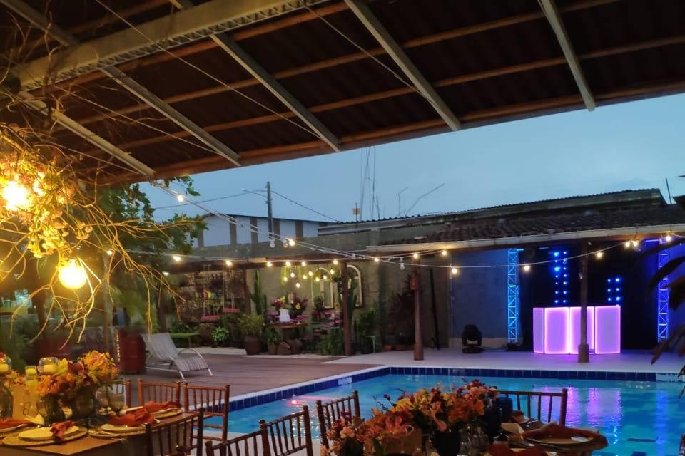 Salão e piscina