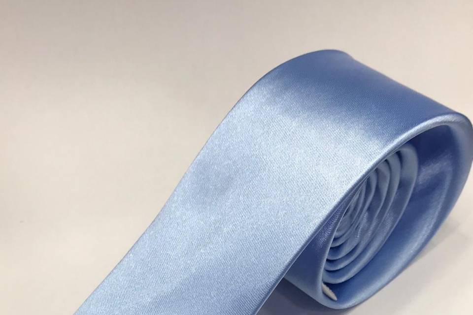 Gravata em cetim Azul Serenity