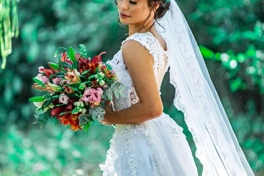 Jessica Melo Photos