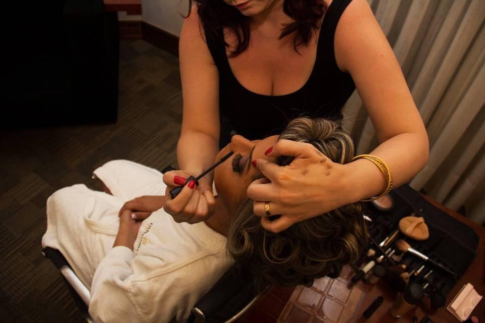 Simone Mota Makeup & Hair