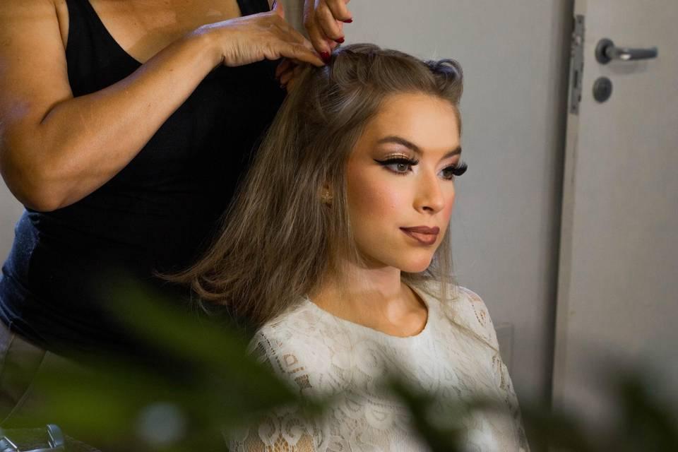 Preparando cabelo Noiva