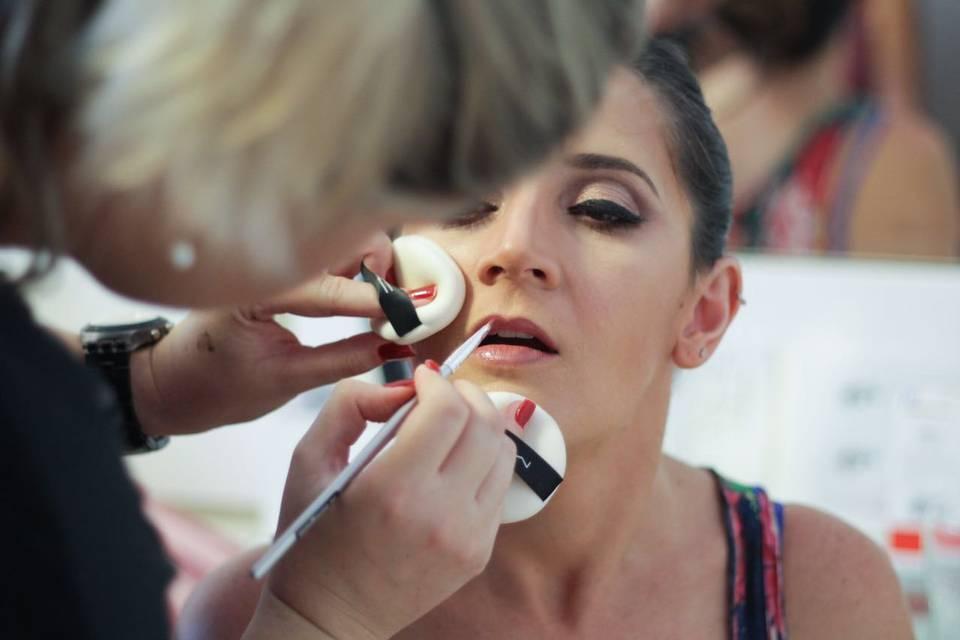 Ju Soneghetti Maquiagem Profissional