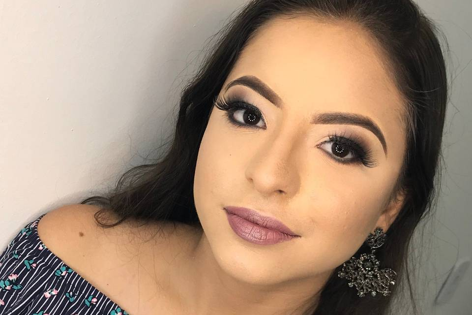 Rebecca Magalhães Makeup