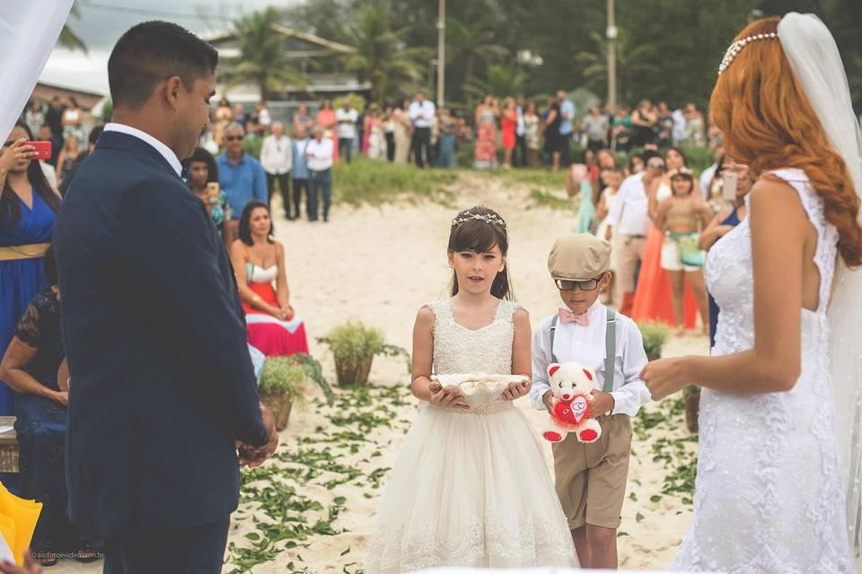 Casamento na praia Brukar