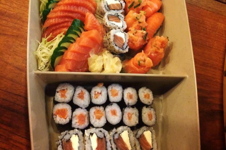 Barcas de Sushi variados