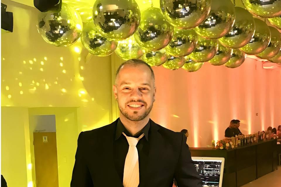 DJ Edd Barros