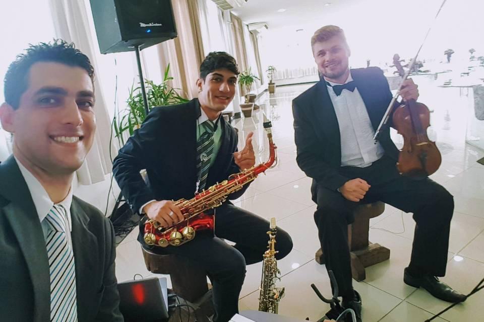 Instrumental com sax e violino