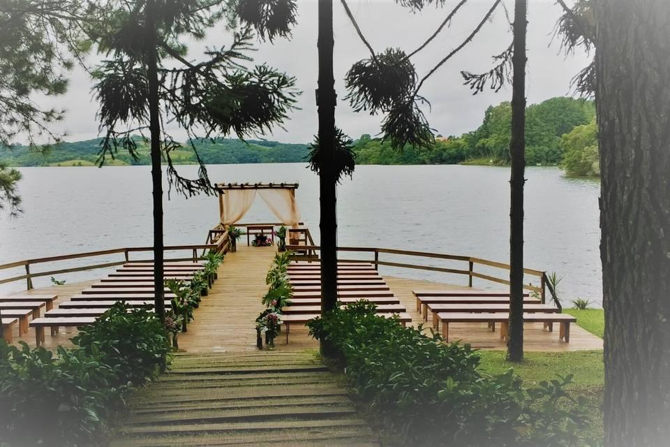 Deck do Lago Espaço Belvedere