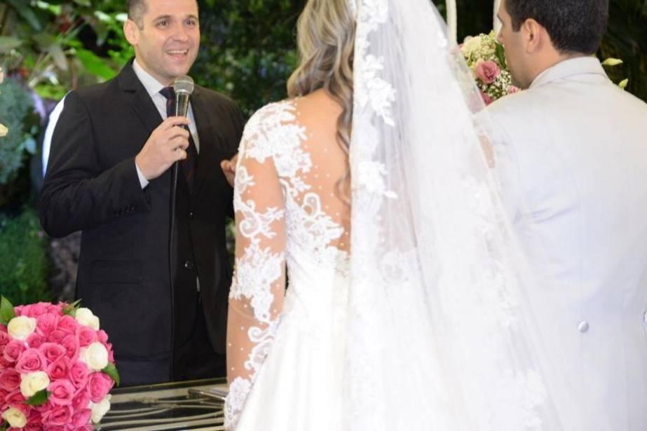 Rafael Spinelli - Celebrante de Casamentos e Mestre de Cerimônias