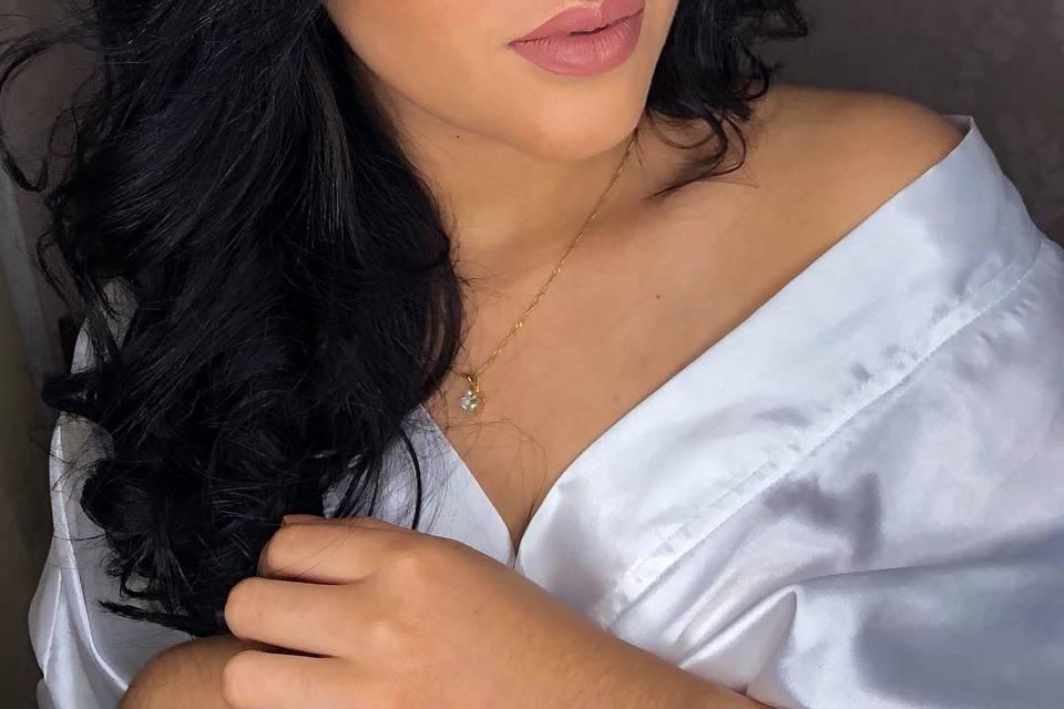 Juli Galvão Makeup