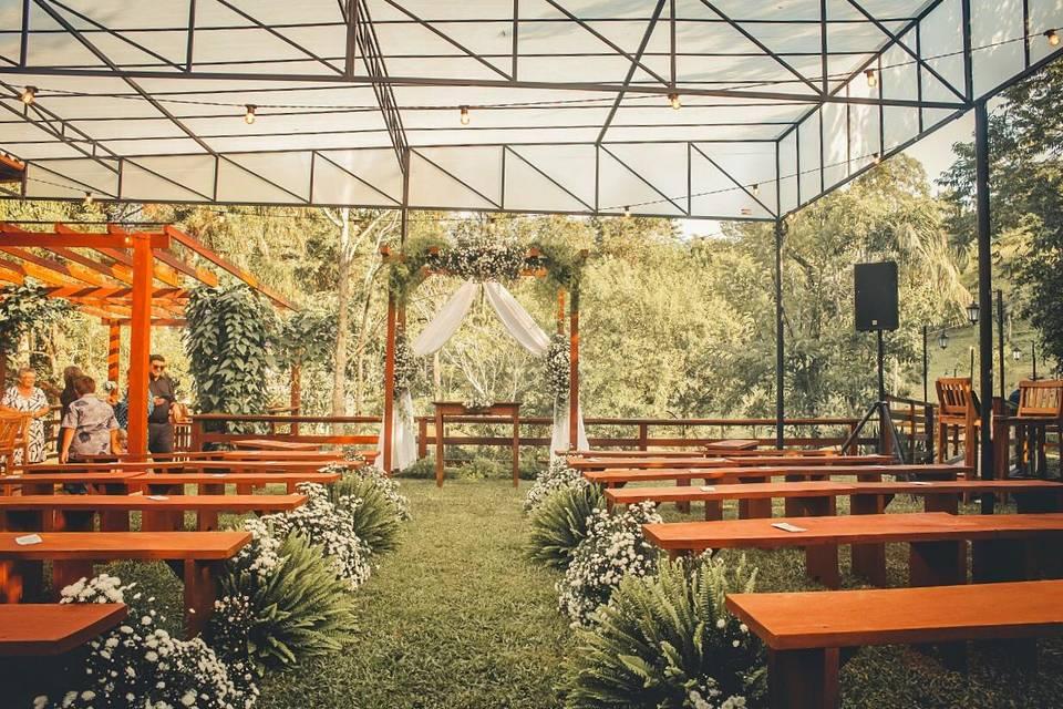Casamento ao ar livre com cobe
